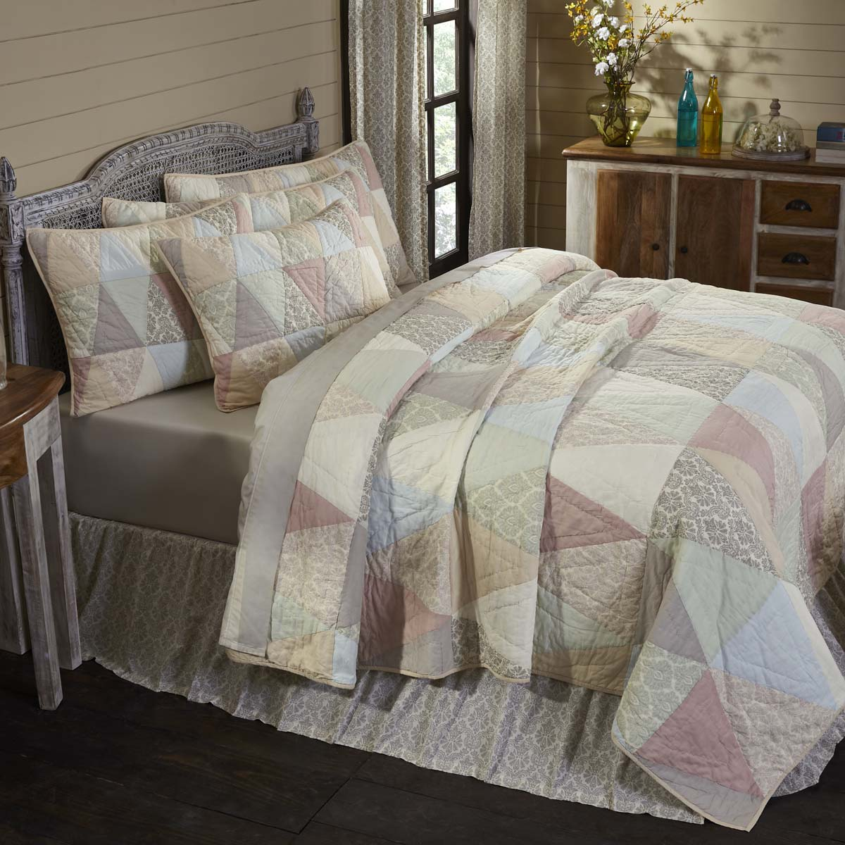 Ava King Quilt 105Wx95L