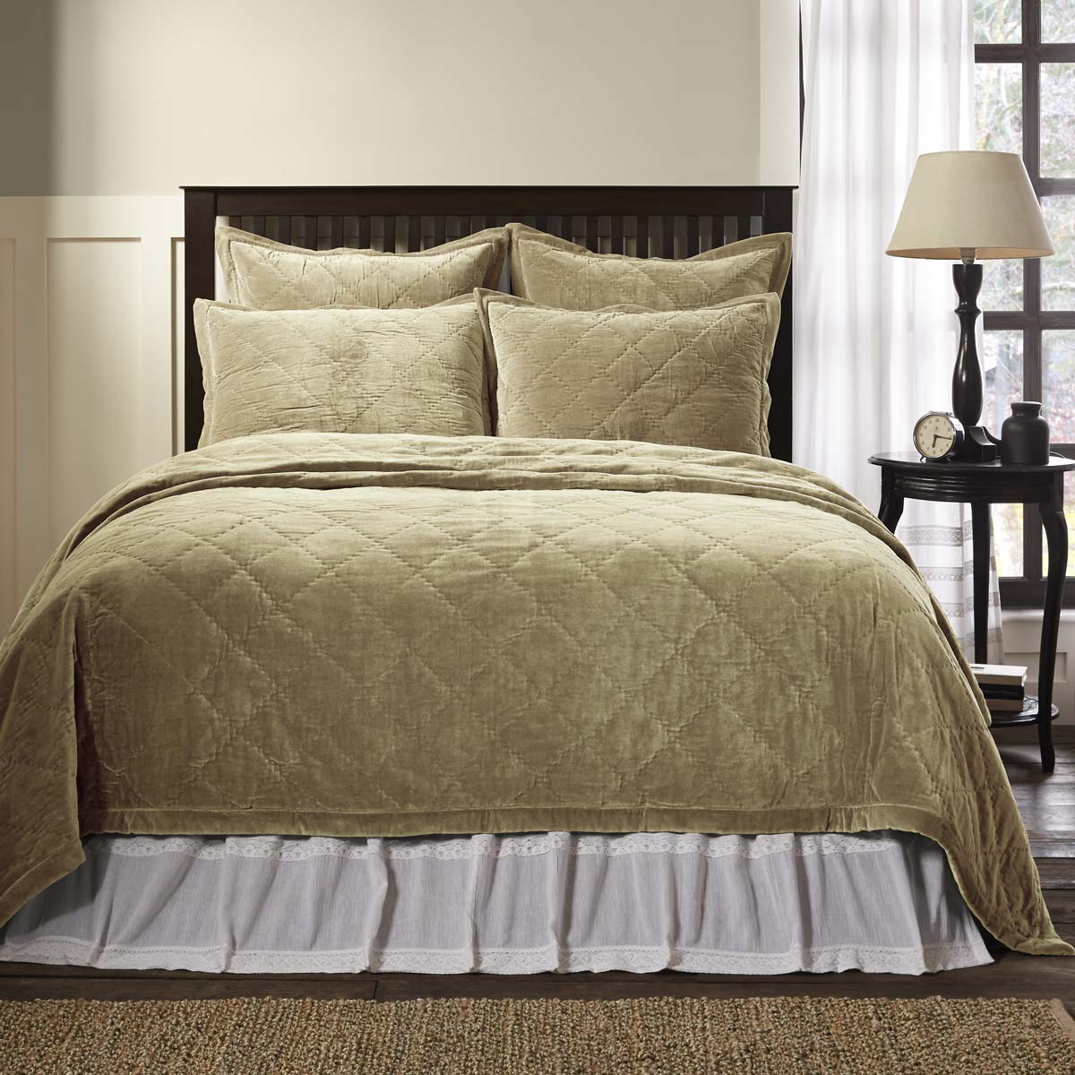 Lydia Taupe King Quilt 108Wx92L