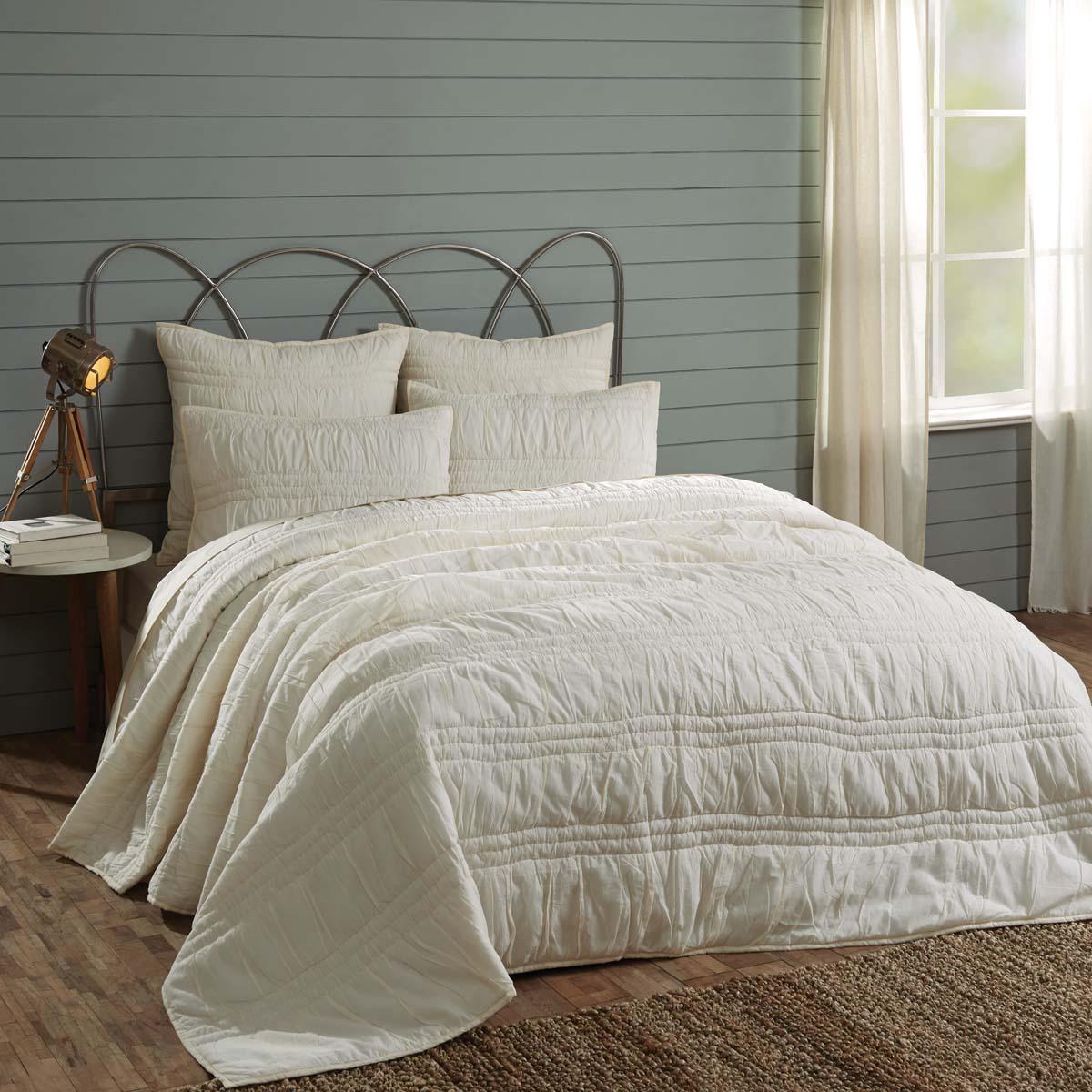 Natasha Pearl White King Set; Quilt 105Wx95L-2 Shams 21x37