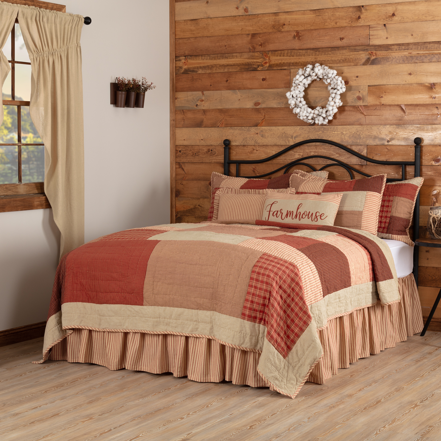 Rory Schoolhouse Red King Quilt 105Wx95L