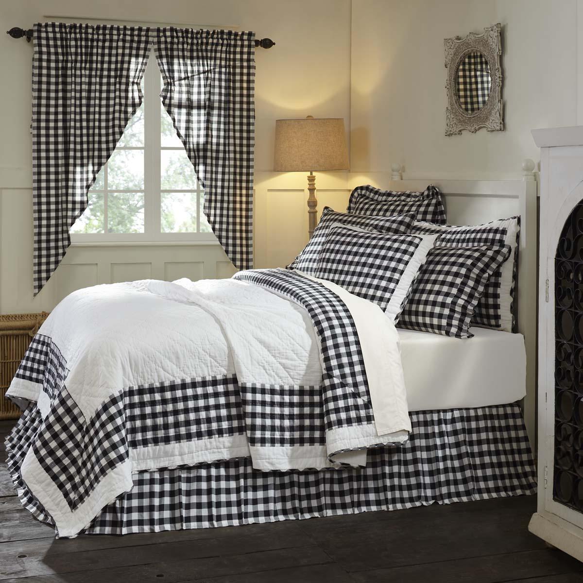 Annie Buffalo Black Check King Quilt 105Wx95L