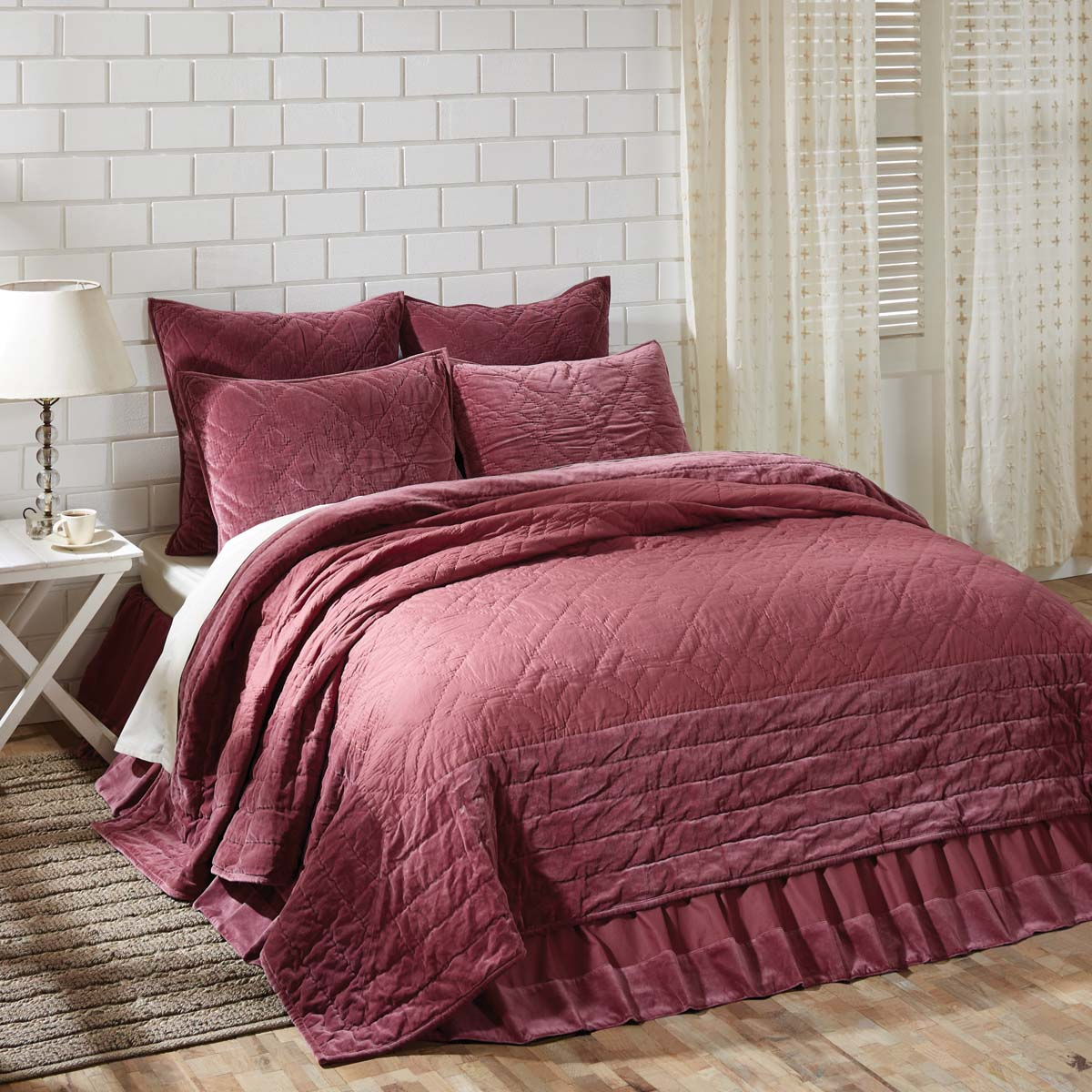 Eleanor Mauve King Quilt 105Wx95L