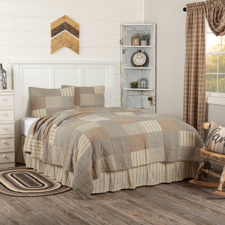 Sawyer Mill Charcoal King Quilt Set; 1-Quilt 105Wx95L w/2 Shams 21x37