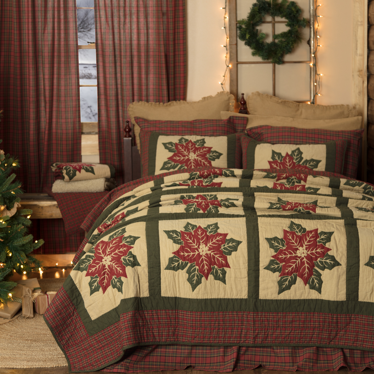 National Quilt Museum Poinsettia Block King Quilt 105Wx95L