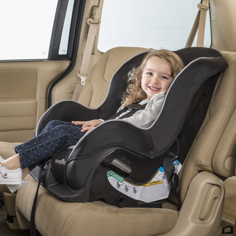 Tribute™ LX Convertible Car Seat (Neptune) Lifestyle Photo