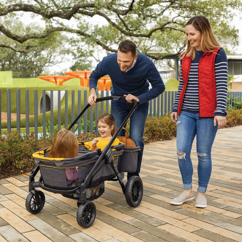 Pivot Xplore™All-Terrain Stroller Wagon (Adventurer) Lifestyle Photo
