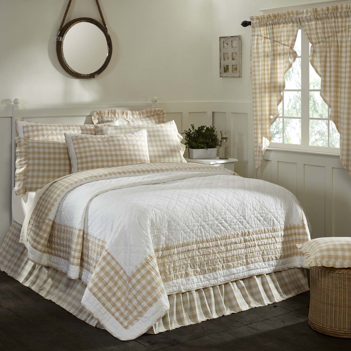 Annie Buffalo Tan Check Luxury King Quilt 120Wx105L