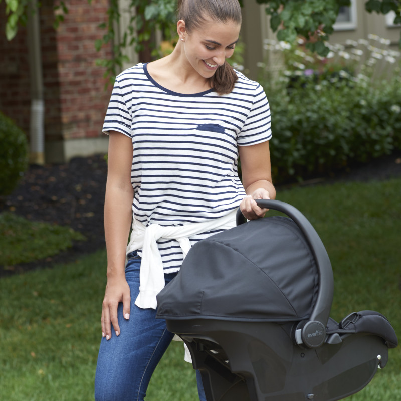 Advanced SensorSafe™ Epic4™ Travel System with LiteMax Infant Car Seat  (Jet) Lifestyle Photo