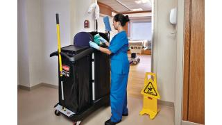 FG9T7500BLA-cleaning-high-security-healthcare-cleaning-cart-in-use-patientroom.tif