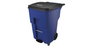 1971999-rcp-utility-refuse-brute-step-on-rollout-with-casters-95g-blue-angle.tif
