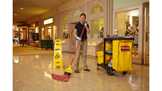 RCP_cleaning_Maximizer_in-use_mall_01_6.jpg