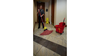 RCP_cleaning_maximizer_red_in-use_bathroom_02.jpg