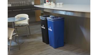 FG356973BLUE-rcp-utility-untouchable-23gal-blue-break-room-in-use-1_152.tif