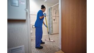 FGQ56000YL00-cleaning-quickconnectframe-18in-yellow-in-use-patientroom-bathroom-2.tif