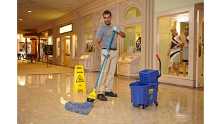 RCP_cleaning_Maximizer_in-use_mall_01_4.jpg