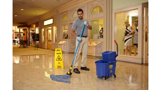 RCP_cleaning_Maximizer_in-use_mall_01_5.jpg