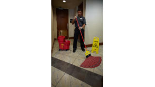 RCP_cleaning_maximizer_red_in-use_bathroom_05.jpg