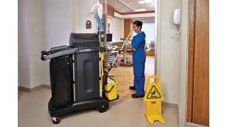 FGQ95000YEL-cleaning-charging-bucket-yellow-in-use-patientroom.tif