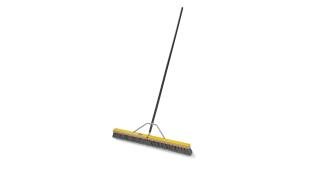 59jm24-fg9b0400gray-fg635700bla-fg9b7100000-rcp-cleaning-36in-push-broom-gray-angle.tif