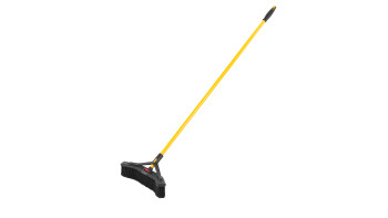 2018727-rcp-cleaning-maximizer-multi-purpose-push-to-center-broom-18_-angle.tif