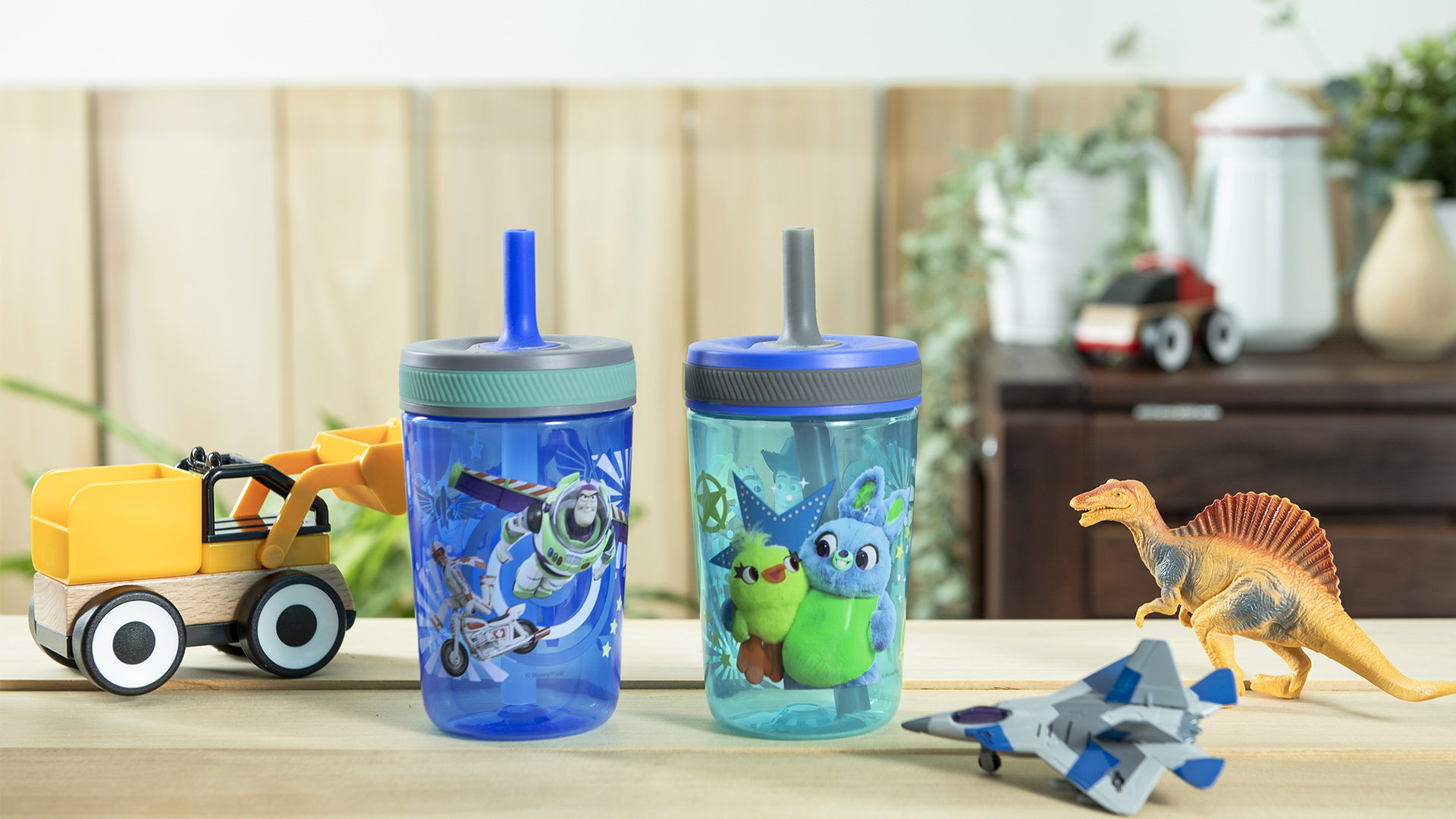 Disney and Pixar 15  ounce Plastic Tumbler with Lid and Straw, Buzz Lightyear and Friends, 2-piece set slideshow image 6