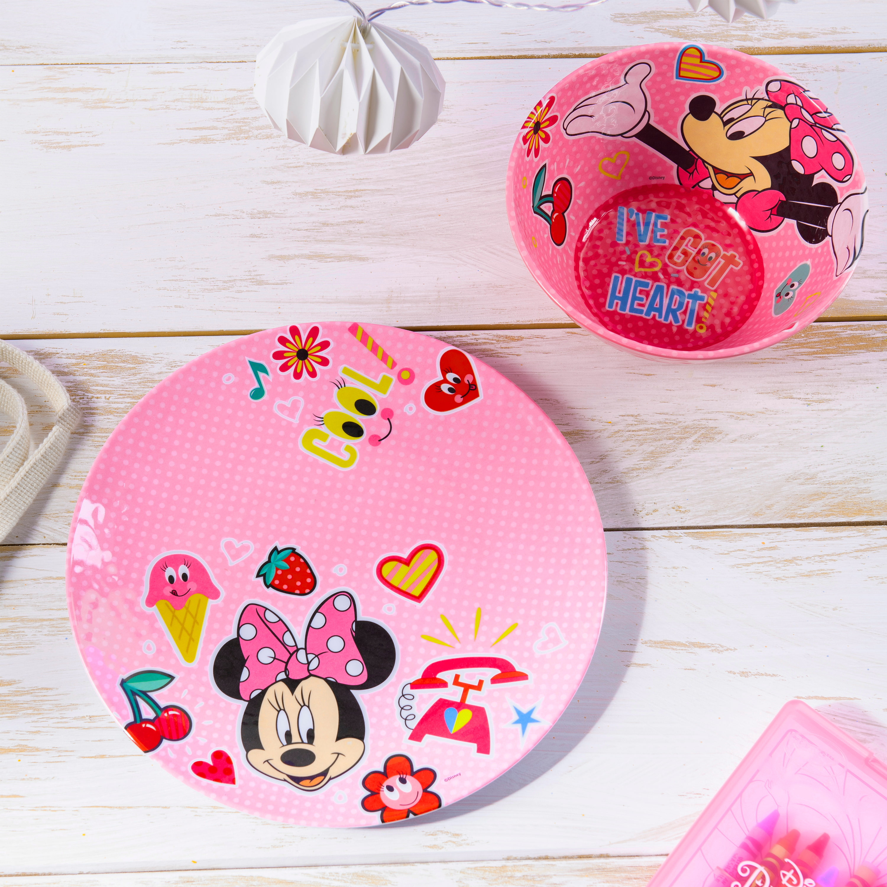 Disney Kids 9-inch Plate and 6-inch Bowl Set, Minnie Mouse, 2-piece set slideshow image 6