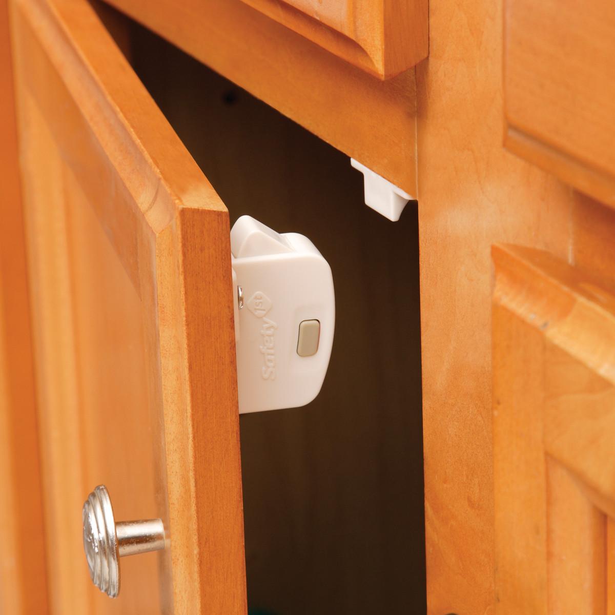 Safety 1st Complete Magnetic Locking System (8 Locks, 1 Key)
