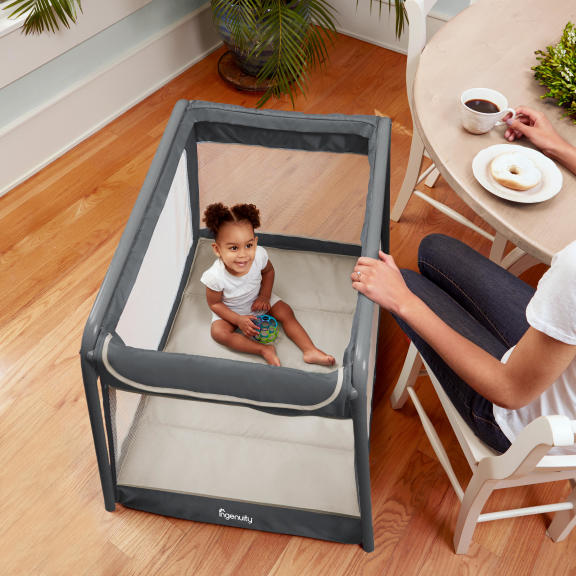 TravelSimple™ Playard � Brookdale™