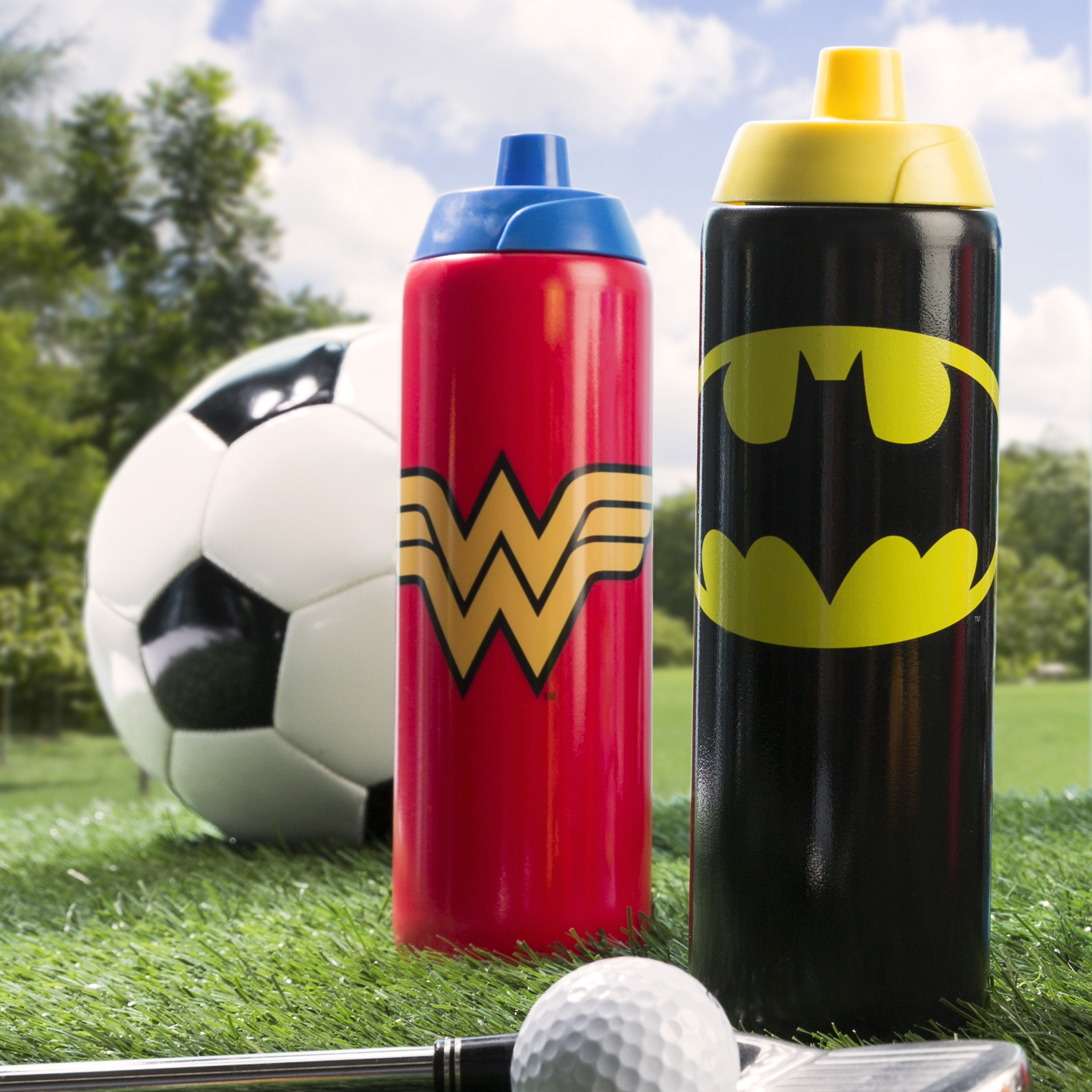 DC Comics 24.5 ounce Water Bottle, Batman slideshow image 3