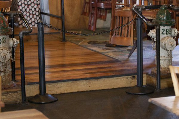 ChainBoss Stanchion - Black Filled with Black Chain 25
