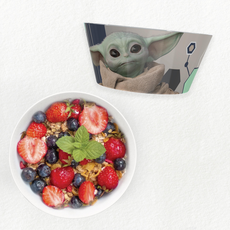 Star Wars: The Mandalorian Kids Dinnerware Set, The Child, 2-piece set slideshow image 3