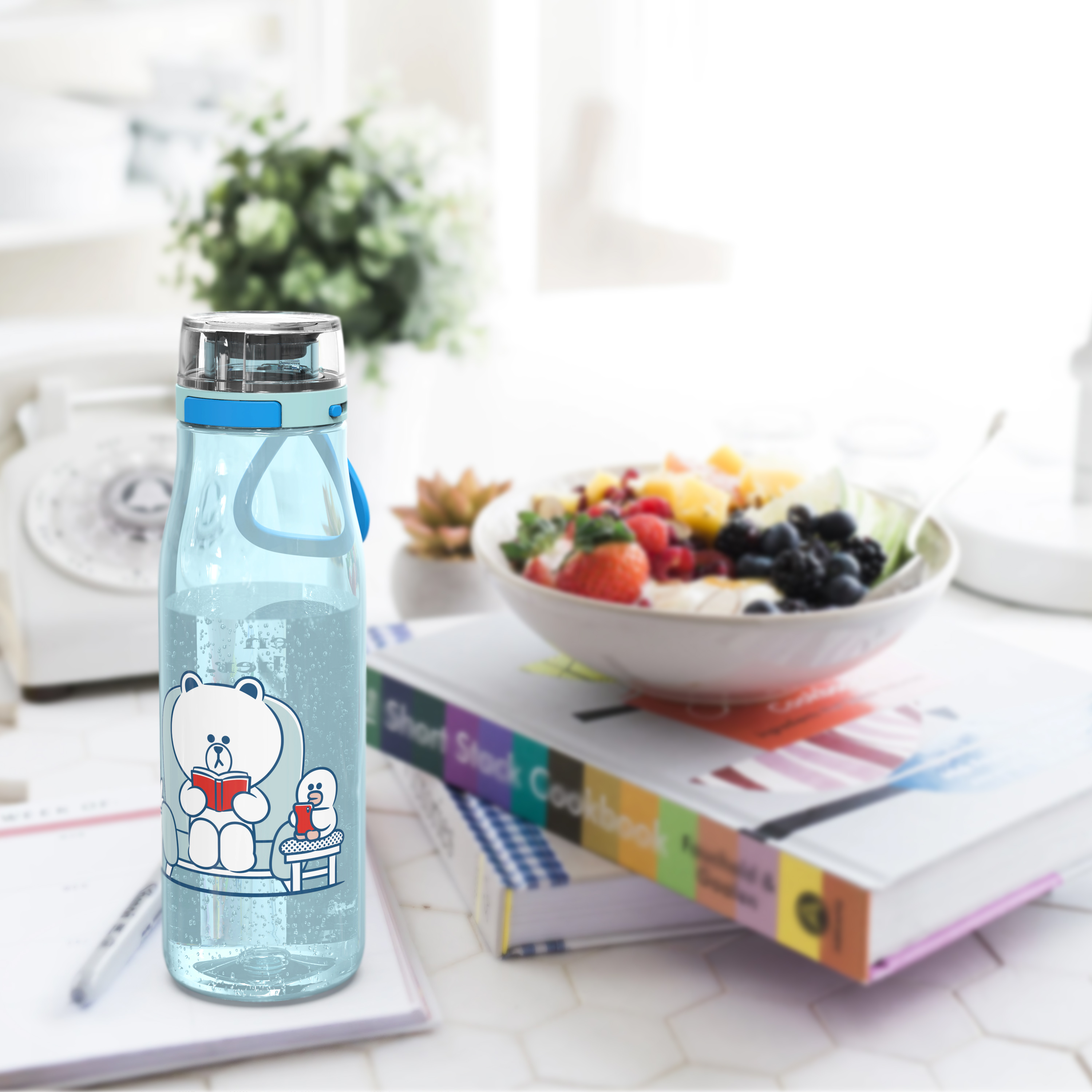 Line Friends 25 ounce Water Bottle, Brown and Sally slideshow image 2