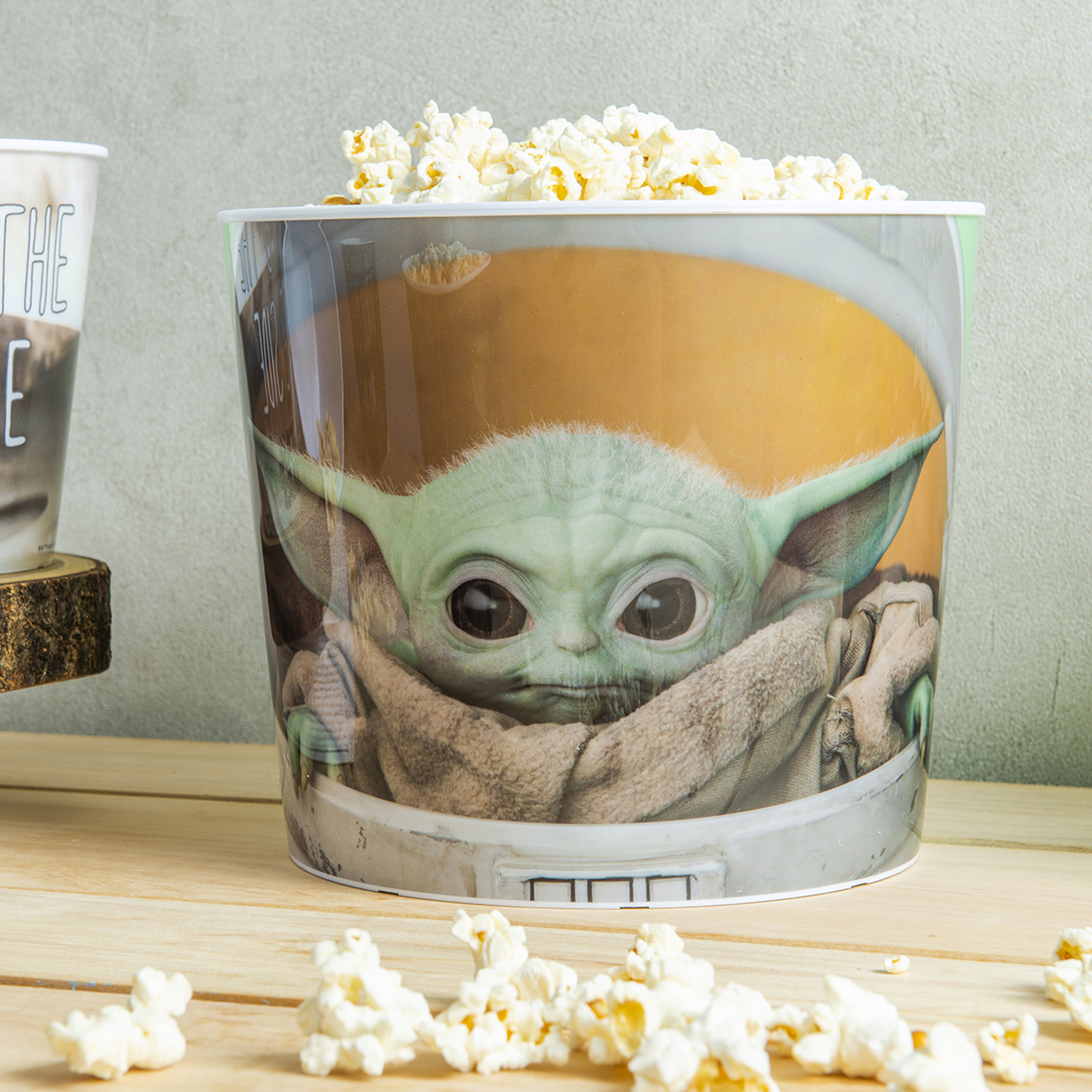 Star Wars: The Mandalorian Plastic Popcorn Container and Bowls, The Child (Baby Yoda), 5-piece set slideshow image 4