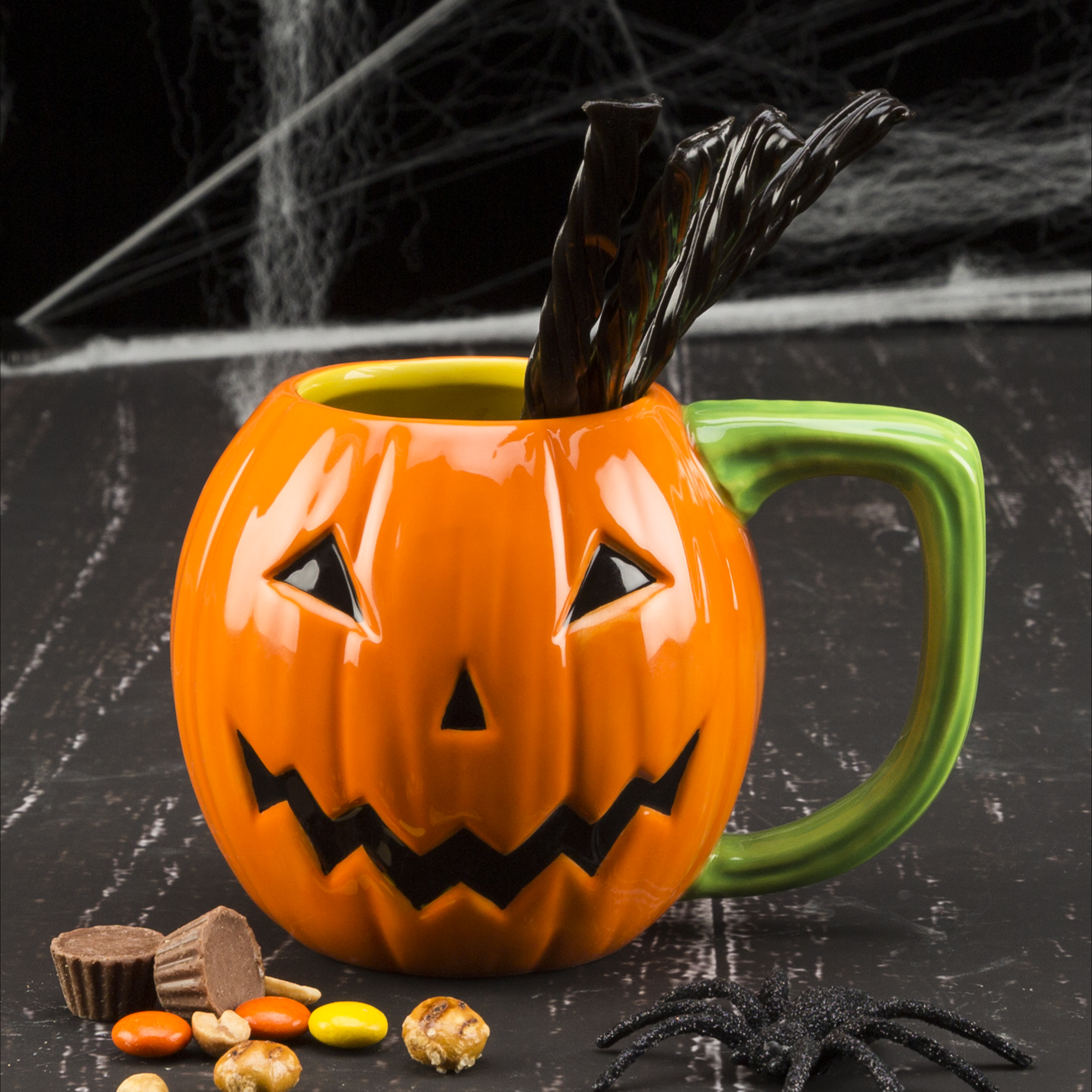 Halloween 15 ounce Coffee Mug and Spoon, Jack O' Lantern slideshow image 3