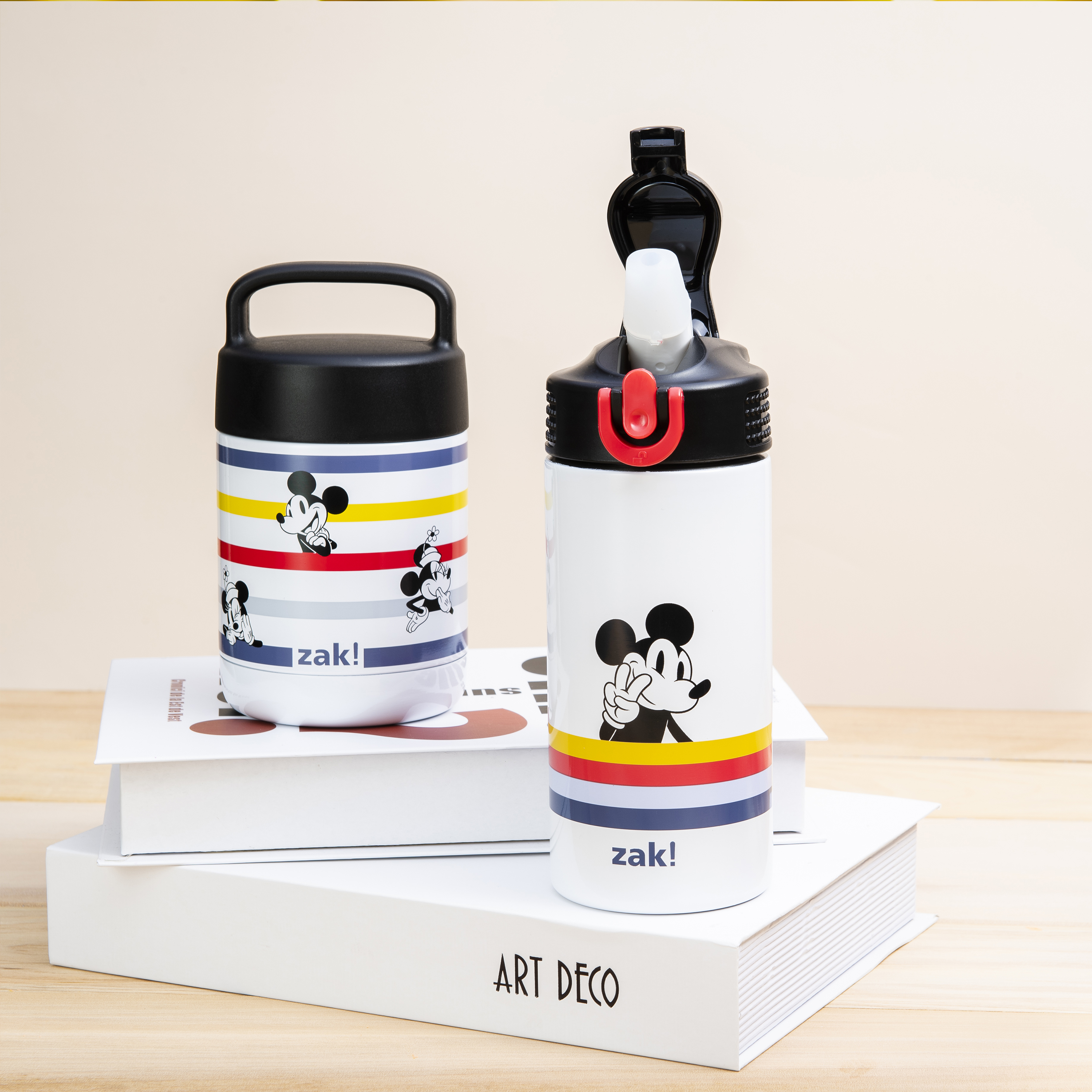 Disney 14 ounce Stainless Steel Vacuum Insulated Water Bottle, Mickey Mouse and Minnie Mouse slideshow image 9