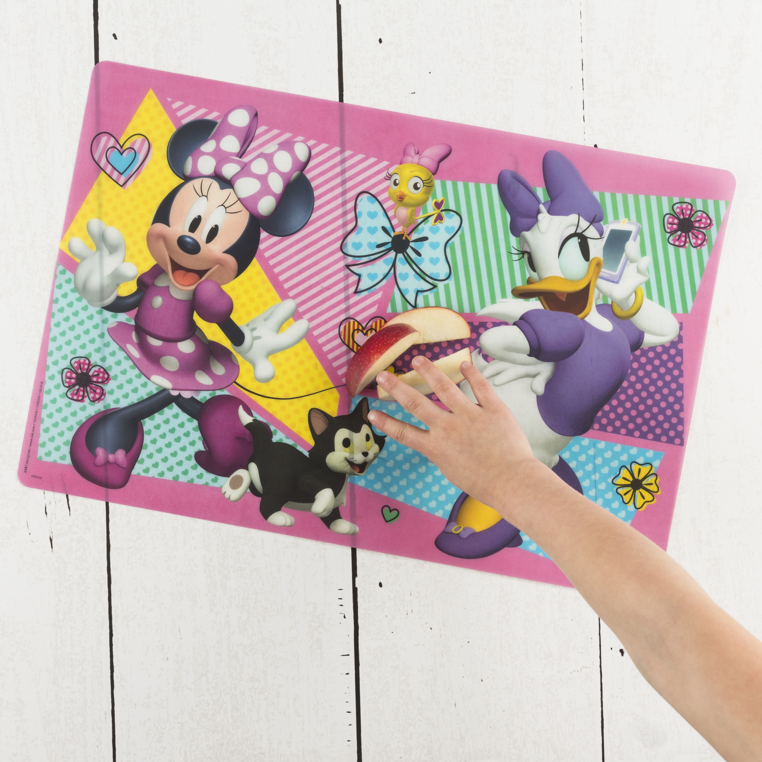 Disney Kid's Placemat, Minnie Mouse slideshow image 3