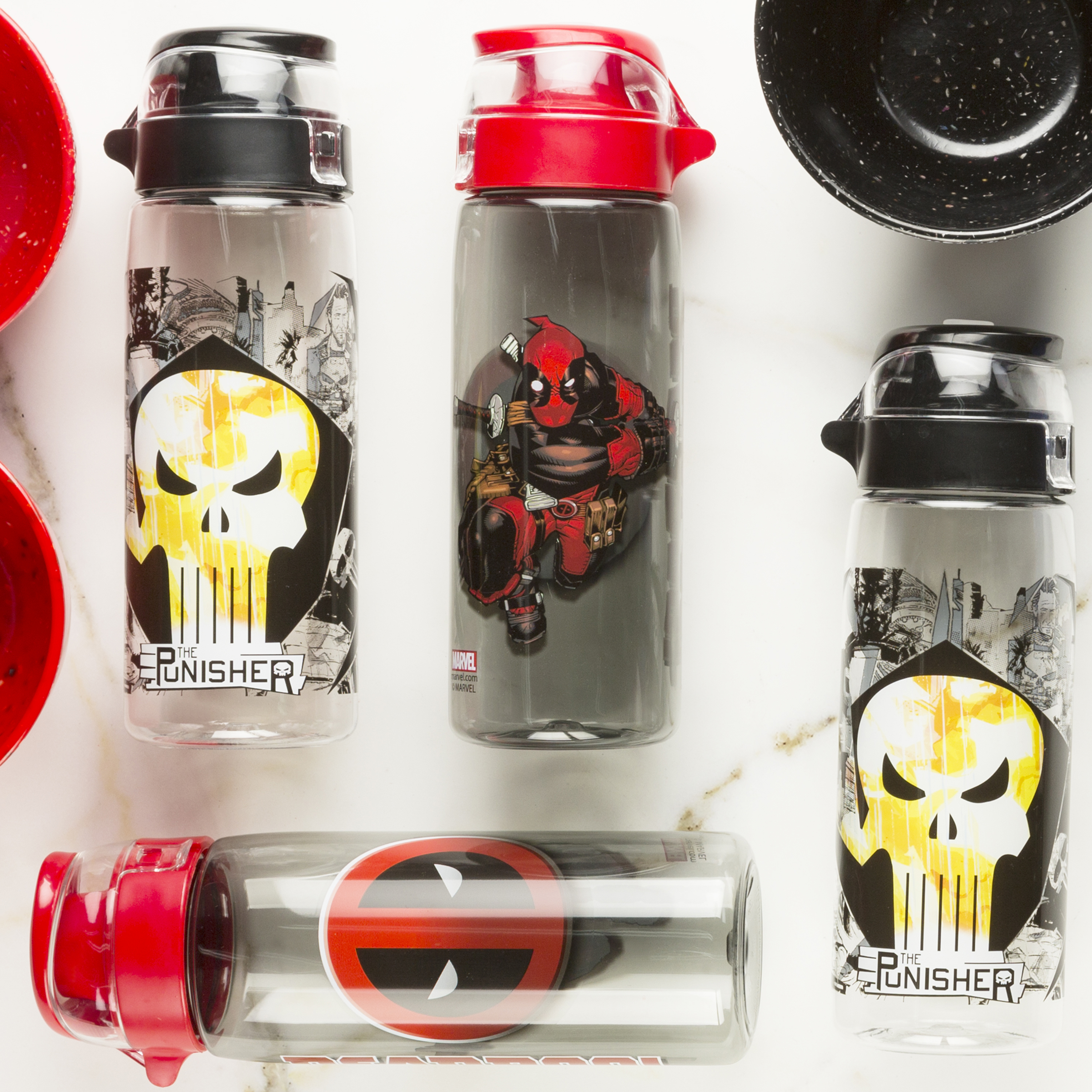 Marvel Comics 25 ounce Water Bottle, Deadpool slideshow image 2