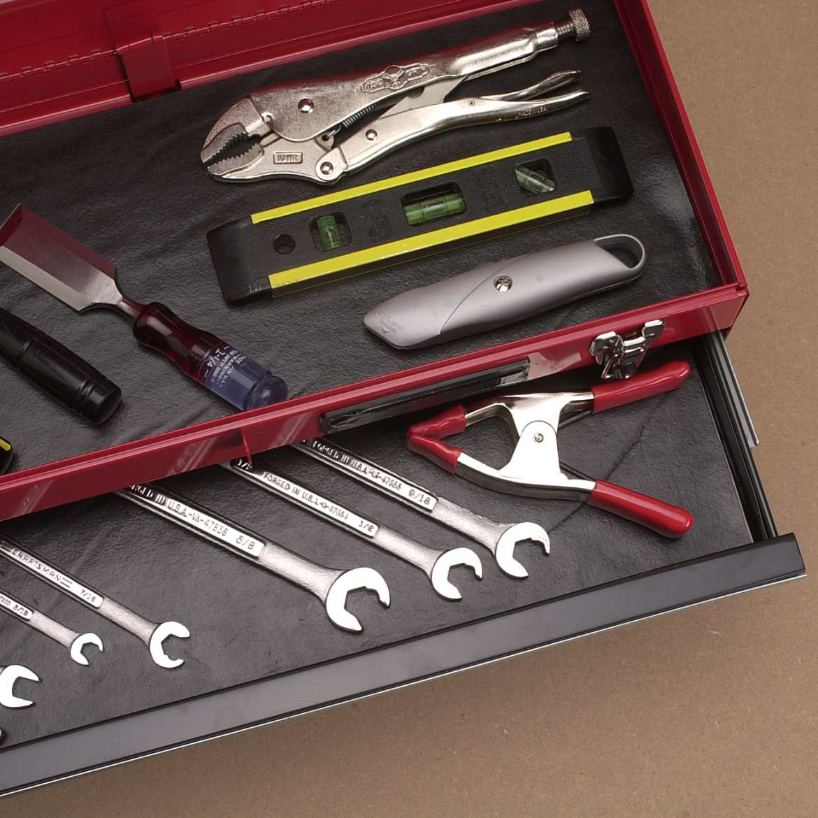 Solid Grip Tool Box EasyLiner®