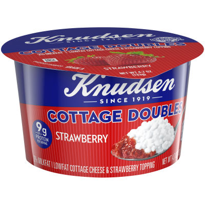 Knudsen Cottage Cheese Doubles Strawberry Topping 4.7 oz Cup
