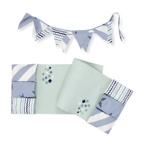 Dreamit - Changing Table runner and banner