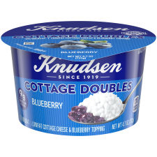 Knudsen Cottage Cheese Doubles Blueberry Topping 4.7 oz Cup