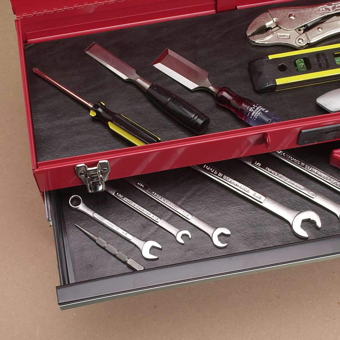 Solid Grip Tool Box Easy Liner®