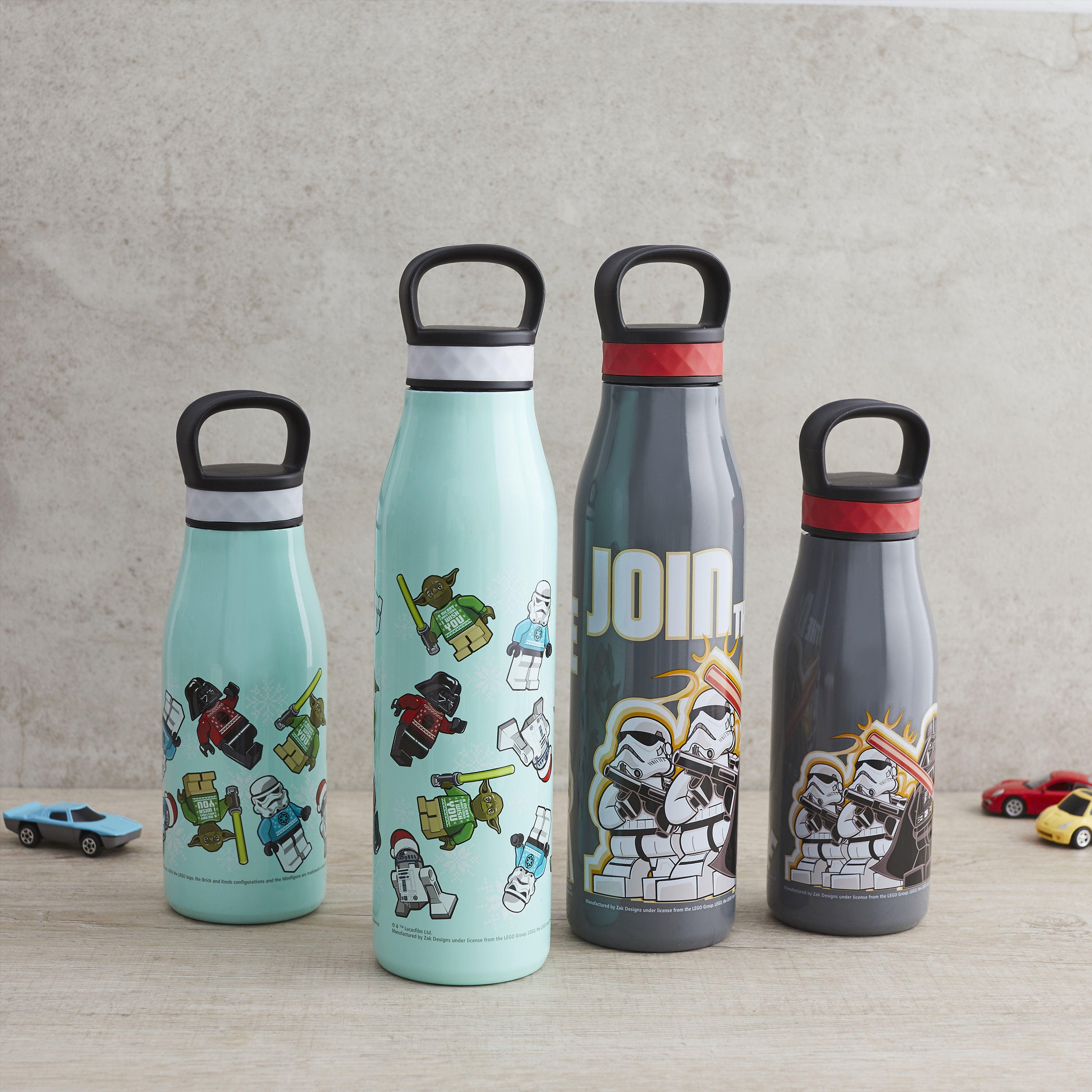 Lego Star Wars 20 ounce Stainless Steel Vacuum Insulated Water Bottle, R2-D2, Yoda and Darth Vader slideshow image 2