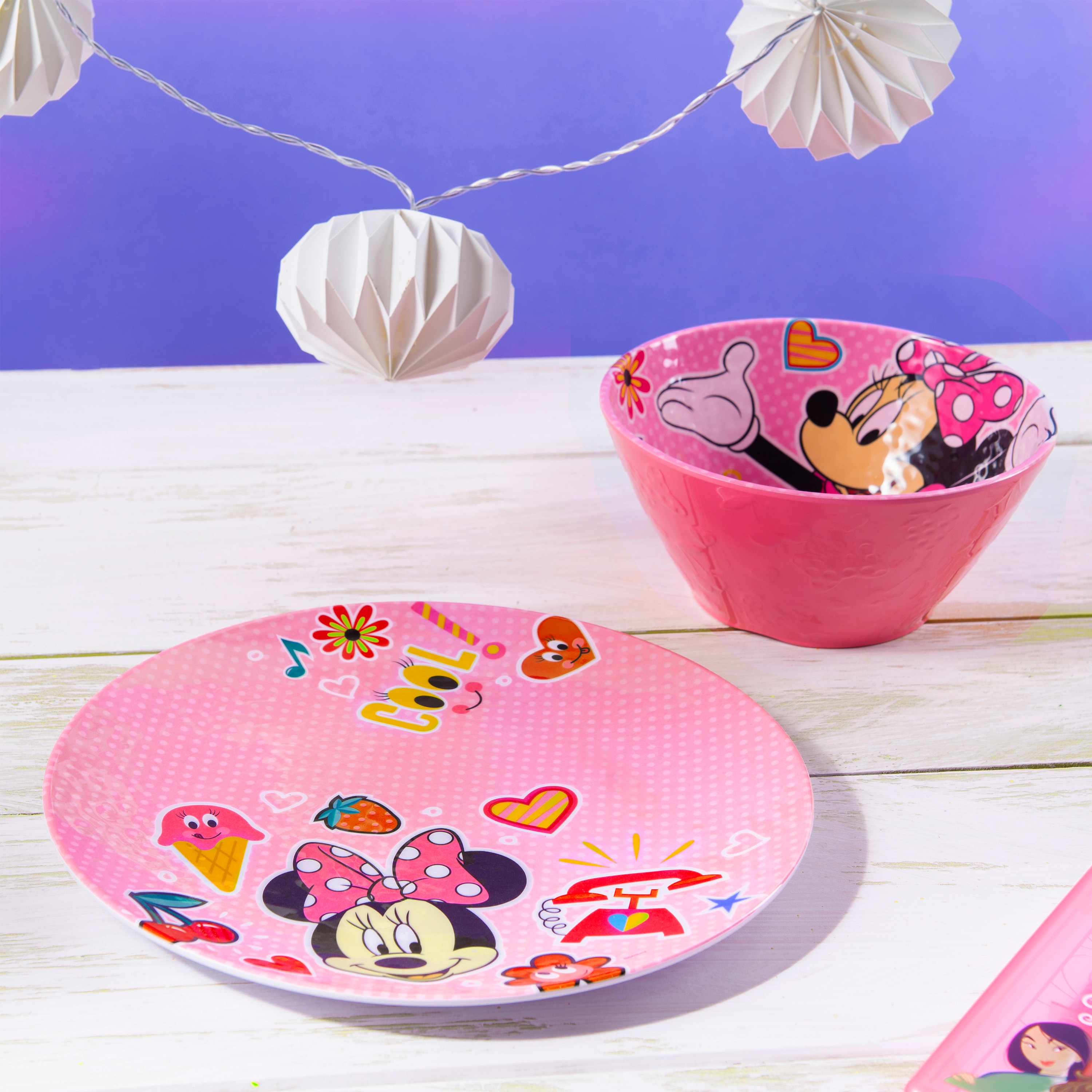 Disney Kids 9-inch Plate and 6-inch Bowl Set, Minnie Mouse, 2-piece set slideshow image 8