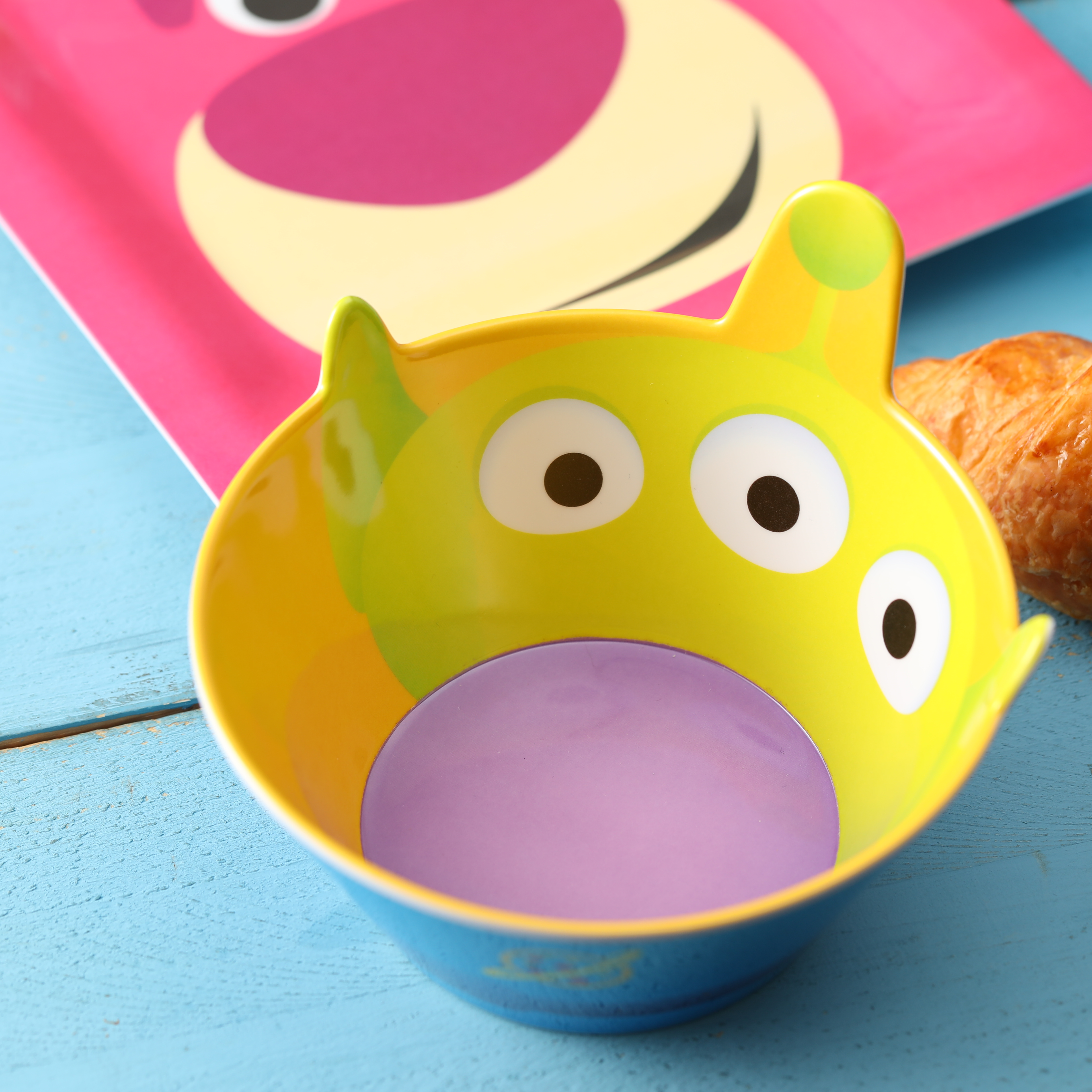 Disney and Pixar Plate and Bowl Set, Aliens, 2-piece set slideshow image 3