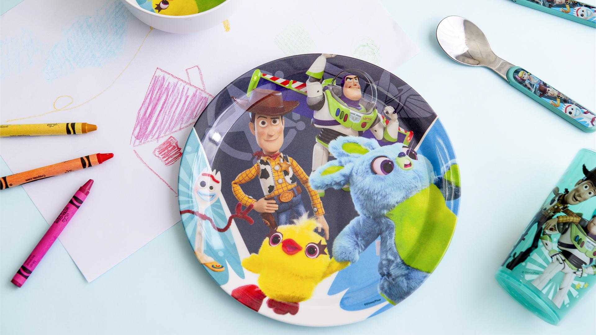 Disney Pixar Dinnerware Set, Woody, Buzz and Friends, 5-piece set slideshow image 2