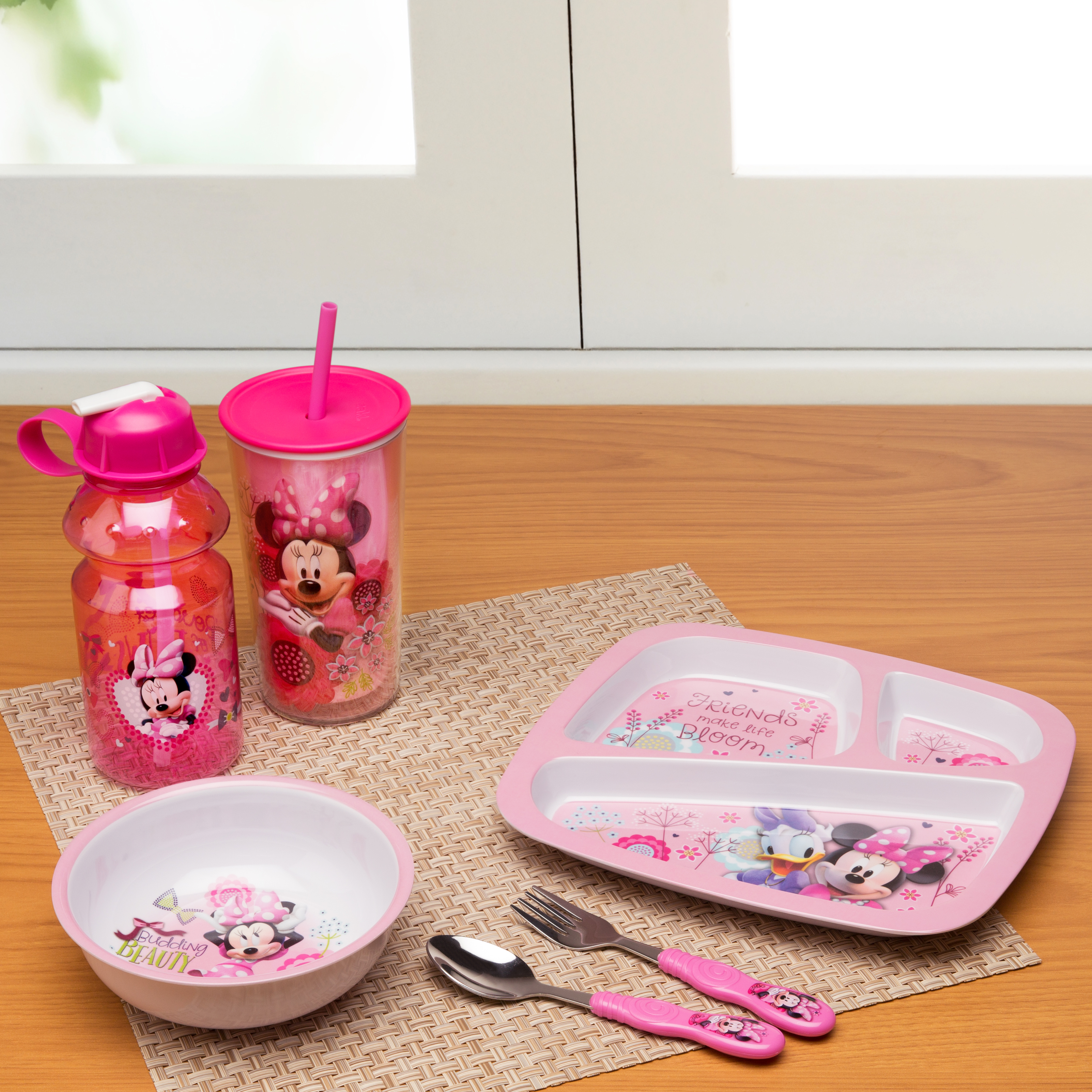 Disney 10.5 ounce Kid's Tumbler, Minnie Mouse slideshow image 2