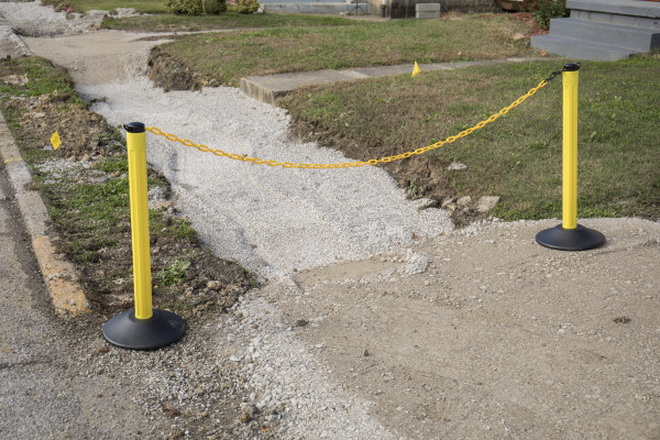 ChainBoss Stanchion - Yellow Empty  with Yellow Chain 16
