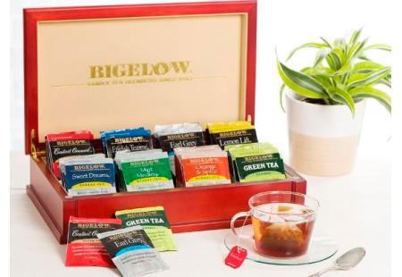Wooden Chest with Flavored and Herbal Tea - total of 64 teabags