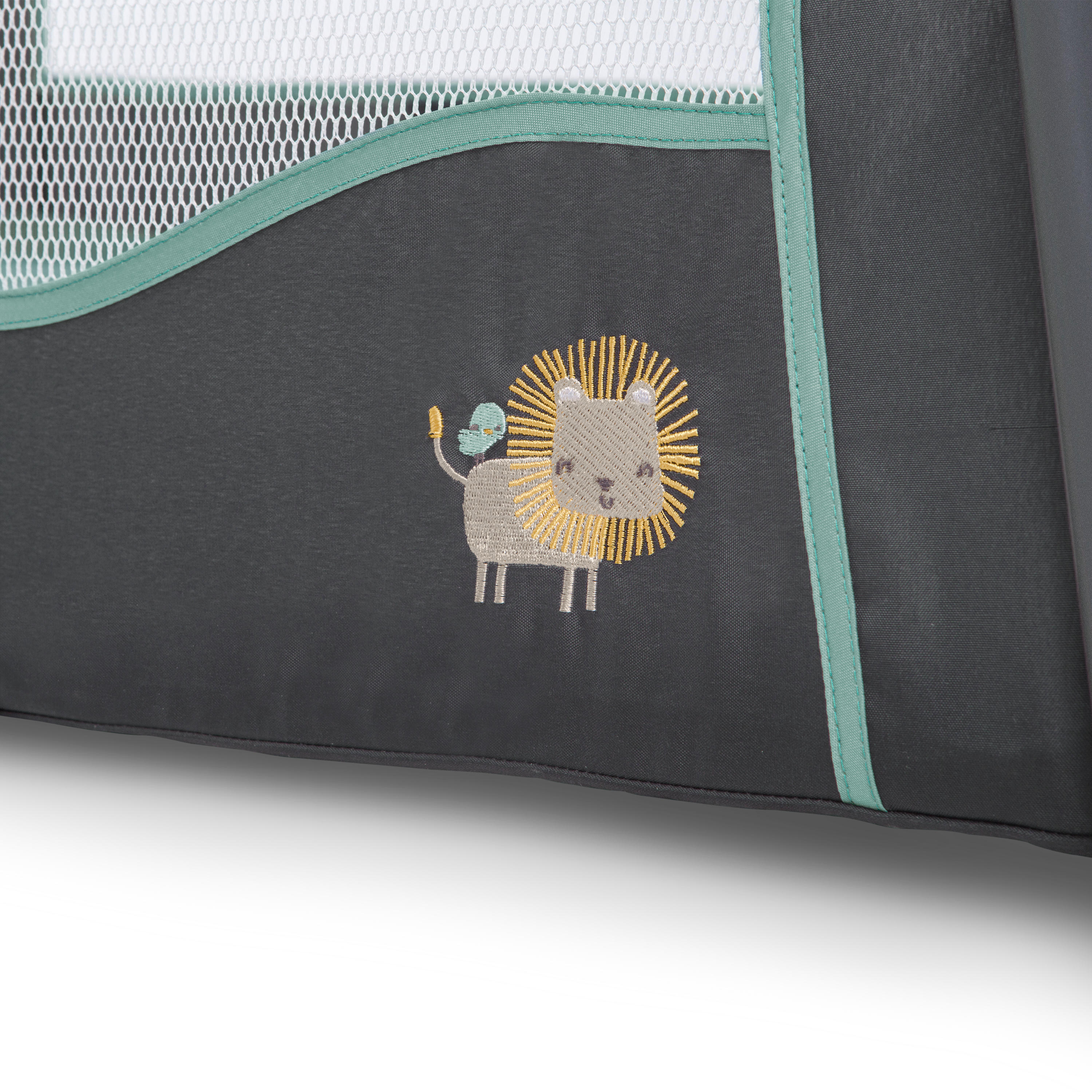 TravelSimple™ Playard � Connor™